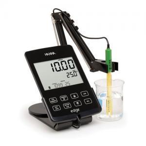 เครื่องวัด EC TDS SALINITY BENCHTOP METER แบบตั้งโต๊ะ รุ่น HI2030